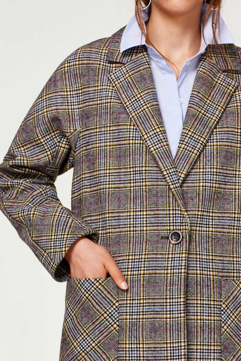 Oversized geruite mantel